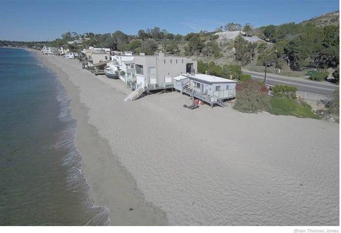 "Eve Plumb ""Jan Brady"" Sells Malibu Home for 7,000% profit!"