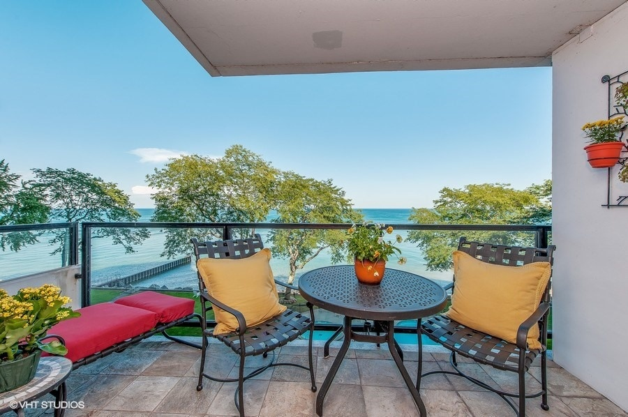 Your Guide to Wilmette's Lakefront Condo Buildings