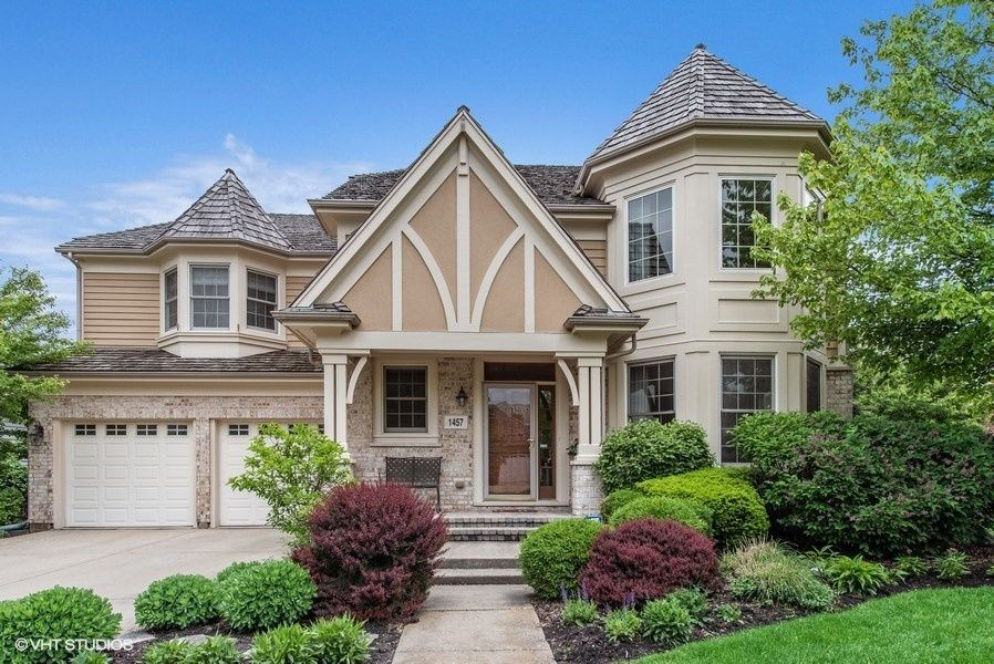 Getting ready for the spring real estate market on chicago;s north shore includes having professional photos of the exterior of your home taken while the weather is still warm