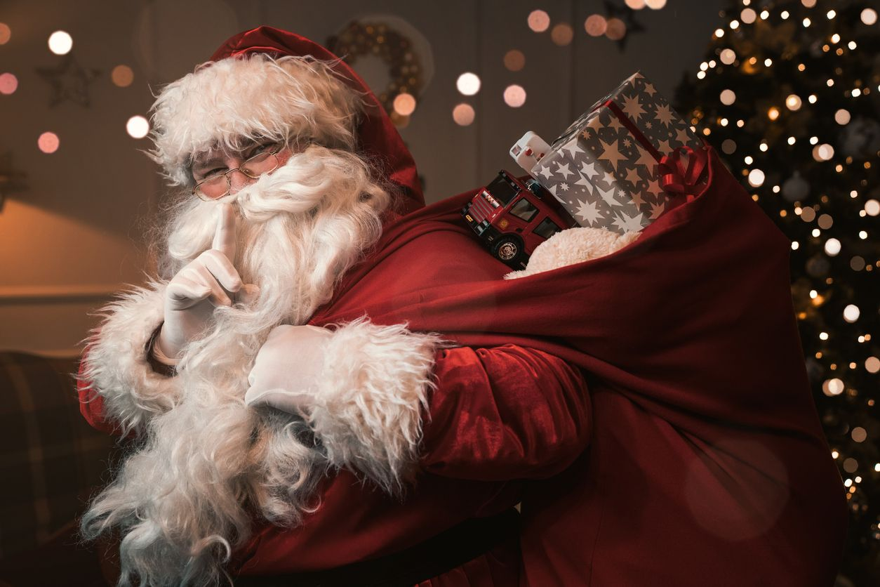 Where to See Santa on the North Shore